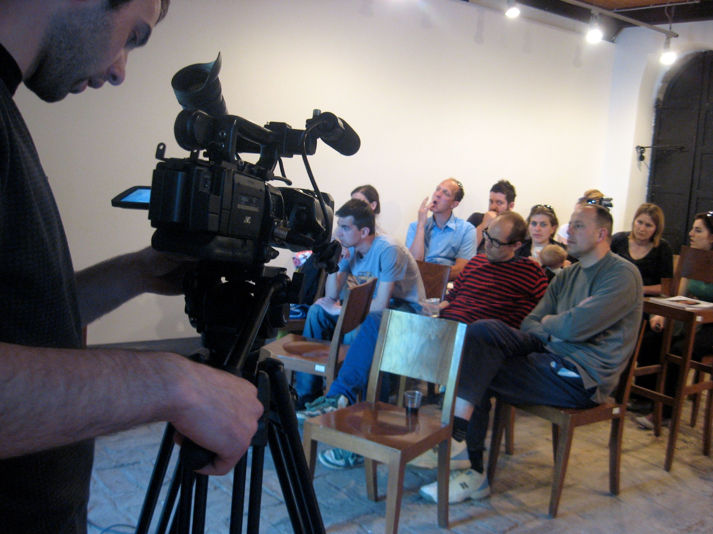 Bisedë mes kuratorës dhe artistit + Koncerti i mbylljes nga Hidde van Schie